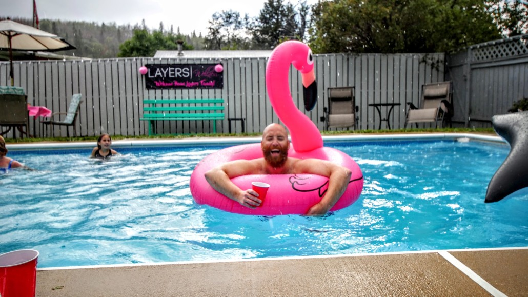 Pool party Jeph