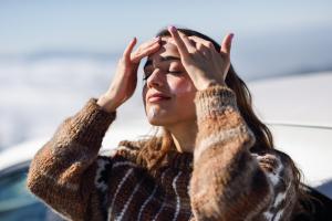 image skincare woman applying sunscreen